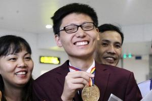 Đại học Khoa học Tự nhiên tuyển thẳng 4 chàng trai vàng Olympic Toán quốc tế