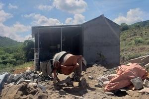 Hà Tĩnh: Cán bộ xã xây nhà trái phép trên đất dự phòng?