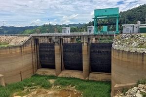 Nắng nóng diện rộng, thủy điện thiếu nước nghiêm trọng