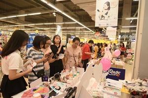 """VinMart khai mạc """"Tuần lễ hàng hóa Hàn Quốc"""", khách chen nhau mua sắm trong ngày 20/10"""
