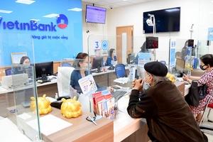 Đẩy mạnh giao dịch trực tuyến chống covid-19, loạt ngân hàng cộng lãi suất tiền gửi, hoàn phí thanh toán