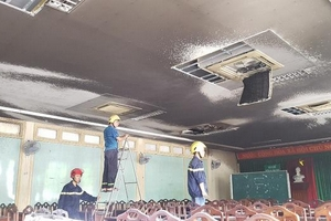 Hội trường Đại học Y Dược cháy do chập điện hệ thống điều hòa