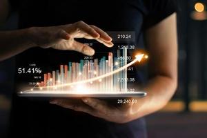 Top 10 cổ phiếu tăng/giảm mạnh nhất tuần: Nhóm dầu khí và ngân hàng tạo sức ép