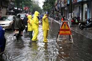 Thời tiết ngày 2/7: Cả nước mưa dông, đề phòng xảy ra lốc, sét và gió giật mạnh