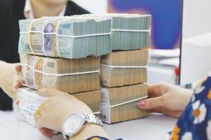 Ngân hàng đua nhau báo lãi lớn trong 9 tháng đầu năm
