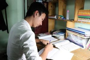 Nam sinh đạt 9,75 điểm môn Văn ứớc mơ làm thầy giáo