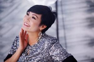 Phương Thanh bất ngờ công bố thiệp cưới, sẽ kết hôn vào ngày 30/12?