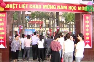 Lạm thu học sinh ở Hà Nội: Giáo viên đến tận nhà trả tiền, phụ huynh không nhận