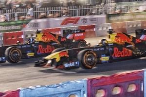 Một chiếc xe đua F1 được bán với giá bao nhiêu?