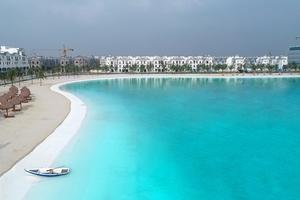 Vinhomes Ocean Park đạt ky lục Khu đô thị có biển hồ nước mặn và hồ nước ngọt nhân tạo trải cát trắng lớn nhất thế giới