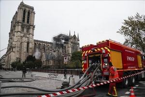 Điều tra nguyên nhân cháy Nhà thờ Đức Bà Paris có thể kéo dài vài tuần