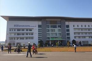 Đắk Lắk: Hàng chục bác sĩ xin nghỉ việc ở bệnh viện nghìn tỷ