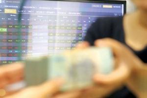 Tín dụng có làm khó thị trường chứng khoán quý IV?