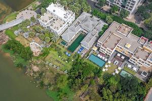 Capella Holdings đứng sau công ty tiếp quản lâu đài của Khaisilk