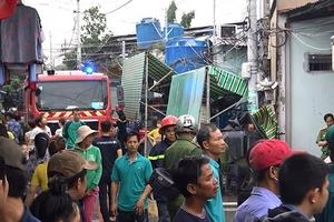 Cháy lớn tại nhà kho chứa hóa chất ở TP. Hồ Chí Minh