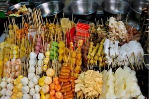 Bản tin Tiêu dùng ngày 27/8: Giá heo ít dao động; Hiểm họa khôn lường từ đồ ăn vặt vỉa hè