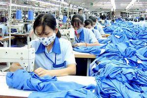 Xuất khẩu dệt may tăng mạnh trong quý III