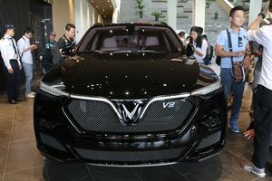 Cận cảnh chiếc LUX V8 tại nhà máy VinFast: Mẫu xe kì vọng phá kỉ lục trong dòng SUV