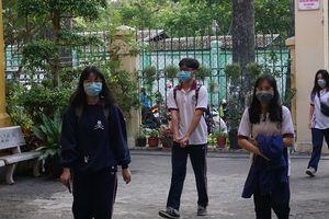 Học sinh TP Hồ Chí Minh bắt buộc đeo khẩu trang khi đến trường