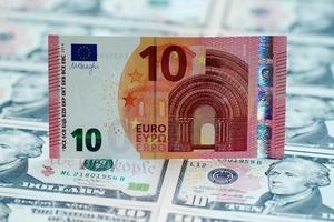 Tỷ giá USD hôm nay (25/9) đi ngang so với yen Nhật, giá euro chạm đỉnh 3 tháng rưỡi