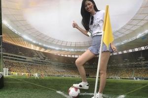 Ai yêu World Cup 2018 như Á hậu Thanh Tú?