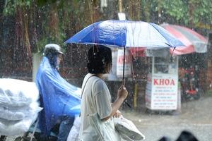 Thời tiết ngày 28/10: Không khí lạnh gây mưa to và dông ở Bắc Bộ và Trung Bộ