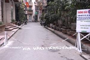 Video: Bức xúc vì xe dừng đậu bừa bãi trong ngách cụt, dân chăng xích chặn đường