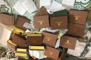 Hà Nội: Thu giữ hơn 1.200 túi xách giả thương hiệu nổi tiếng tại 'thủ phủ' túi ví Phú Xuyên