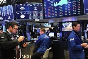 Khối ngoại giao dịch mạnh cổ phiếu ngân hàng và bất động sản trong phiên 24/8