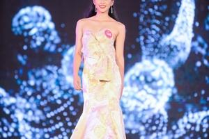 Xôn xao tin đồn Tân Hoa hậu Trần Tiểu Vy có điểm thi tốt nghiệp THPT dưới trung bình