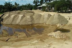 Quảng Nam: Bãi tập kết cát gây bức xúc