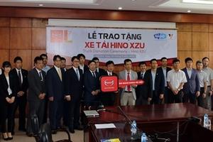 Hino Motors Việt Nam trao tặng xe Hino XZU cho trường Đại học Bách Khoa Hà Nội