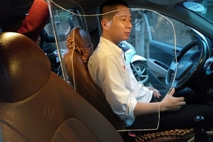 Tấm chắn taxi – Sáng kiến giúp bảo vệ tài xế