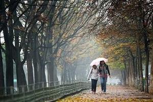 Thời tiết ngày 23/10: Đón gió mùa, Bắc Bộ trở mưa dông gió lạnh