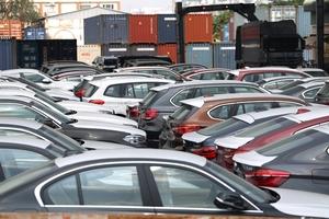 322 xe sang BMW tại cảng TP.HCM được tái xuất về Đức