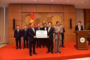 Chủ tịch Quốc hội biểu dương Văn Phú – Invest vì những đóng góp cho cộng đồng