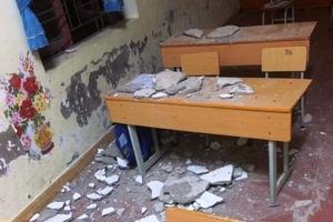 Hải Phòng:  3 học sinh lớp 1 nhập viện vì vữa trần phòng...