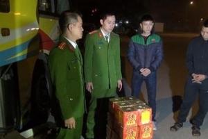 Xe khách vận chuyển 39kg pháo ra Hà Nội tiêu thụ