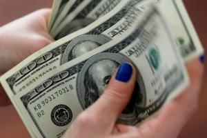 Tỷ giá USD hôm nay (17/9) giảm so với yen Nhật và bảng Anh