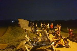 Nhiều người dân lại chặn cổng bãi rác Nam Sơn, Hà Nội