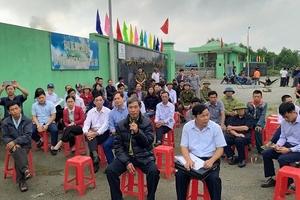Hà Tĩnh: Dân phản đối nhà máy rác, Chủ tịch huyện xin lỗi dân