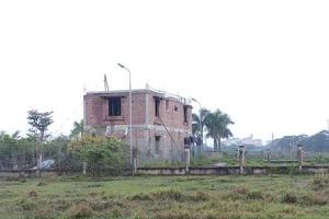 Dự án Cẩm Đình-Hiệp Thuận: Quy hoạch chưa xong, nhà tầng không phép đã hoàn thành?