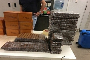Một số lượng lớn xì gà tuồn vào Việt Nam không khai báo hải quan