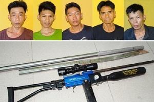 Bắt nhóm dùng súng tự chế truy sát hai thanh niên trên cầu