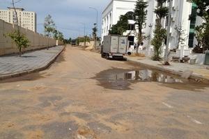 Quảng Bình: Rác thải, phế thải xây dựng vương vãi lòng đường, hè phố