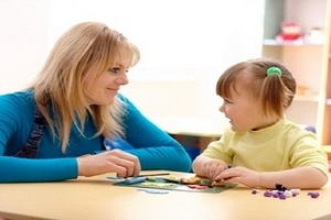 Hướng dẫn phụ huynh can thiệp sớm cho trẻ chậm nói tại gia đình