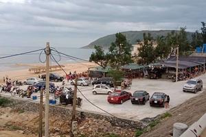 Hà Tĩnh: Dỡ bỏ công trình nhà hàng lấn biển không phép