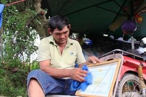 Hiệp sĩ 'cô đơn' trong làng Đại học
