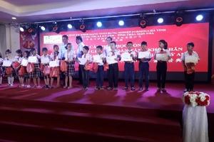 Formosa Hà Tĩnh trao hơn 410 suất học bổng đến học sinh giỏi vượt khó.