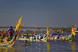 Campuchia tháng 11: Người người đổ về Phnom Penh dự Lễ hội nước